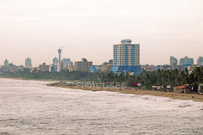 Cityscape and beach of Colombo, Western Province, Sri Lanka, Asia — Stock Photo