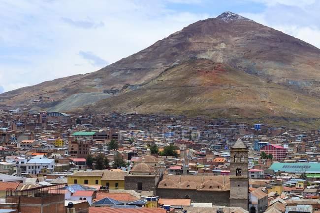 Cityscape with silver mountain Cerro Rico, Potosi, Bolivia, South America — Stock Photo