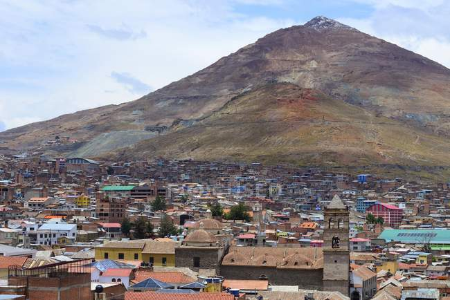 Stadtbild mit silbernen Berg Cerro Rico, Potosi, Bolivien, Südamerika — Stockfoto