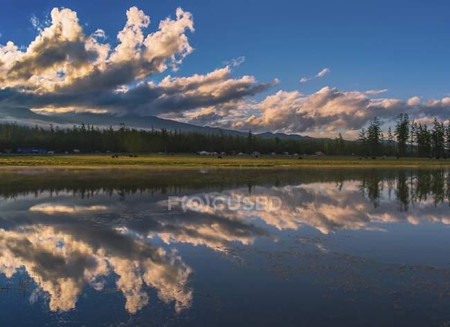 Khuvsgul Lake with dramatic clouds and water reflection, Mongolia, Asia — Stock Photo