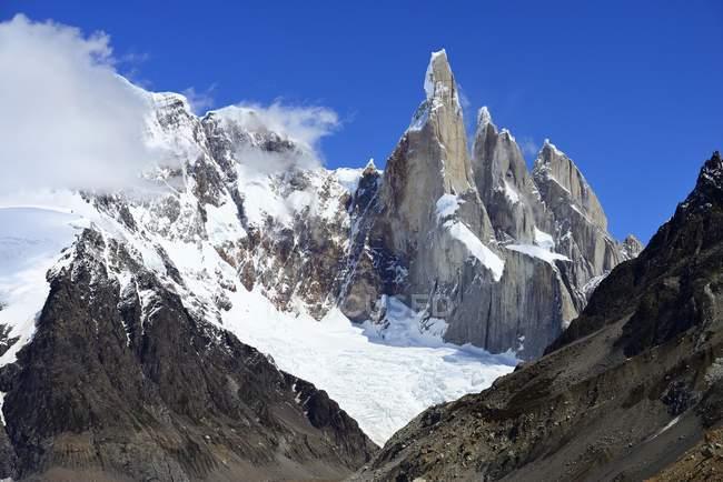 Cerro Torre with glacier in Los Glaciares National Park, Argentina — Stock Photo
