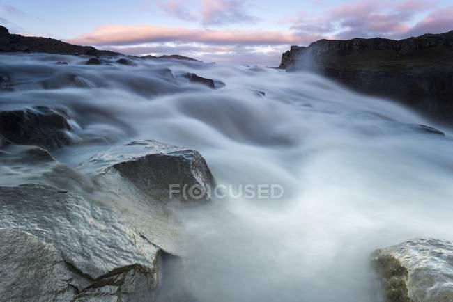 Dettifoss-Wasserfall auf Jökulsá ein Fjollum Fluss, Island, Europa — Stockfoto