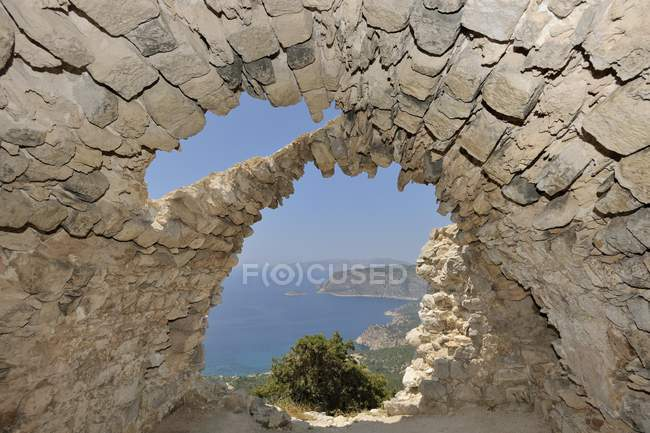 Ruins of church with barrel vault of castle hill Monlithos, Rhodes, Greece, Europe — Stock Photo