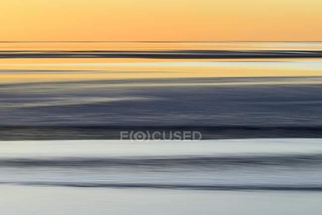 Escénica puesta de sol sobre el mar de Wadden, Baja Sajonia, Alemania - foto de stock