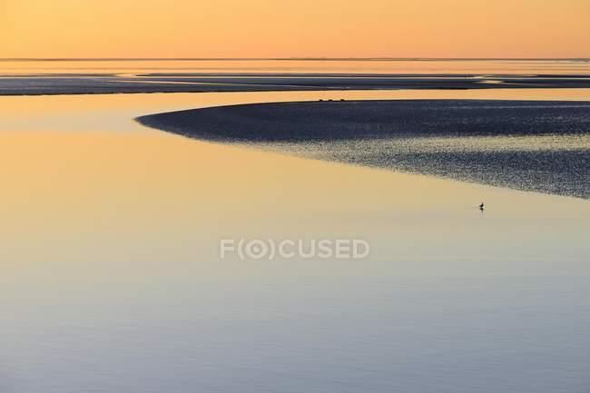 Scenic sunset over Wadden Sea, Lower Saxony, Germany — Stock Photo