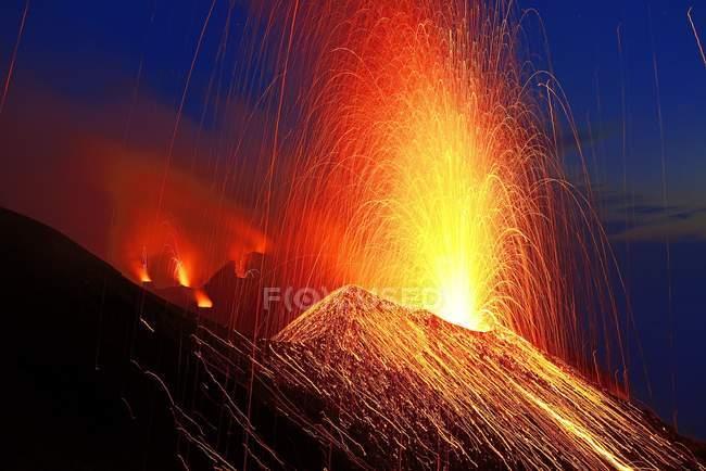 Volcanic eruption of Stromboli volcano, Stromboli Island, Lipari Islands, Italy, Europe — стокове фото