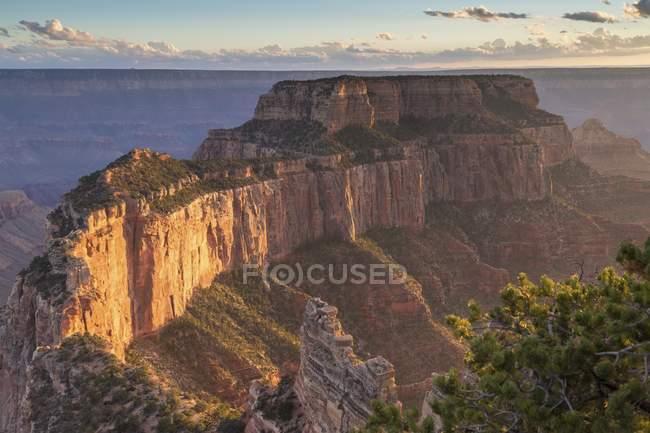 Grand Canyon rock massif of Grand Canyon National Park, Arizona, USA, North America — Stock Photo