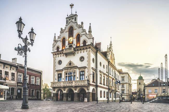 Історичної ратуші в центрі м. Жешув, Підкарпатське, Польща, Європі — стокове фото