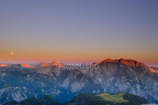 Alba a Watzmann e Steinernes Meer montagne, Alpi di Berchtesgaden, Berchtesgaden, Baviera, Germania, Europa — Foto stock