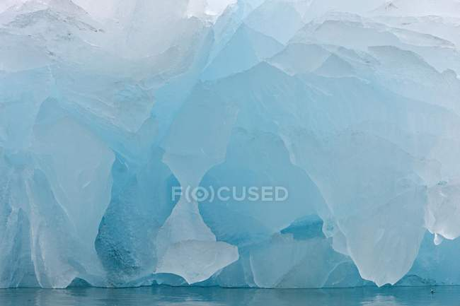 Detailed view of ice of Monacobreen glacier, Liefdefjorden fjord, Spitsbergen, Norway, Europe — Stock Photo