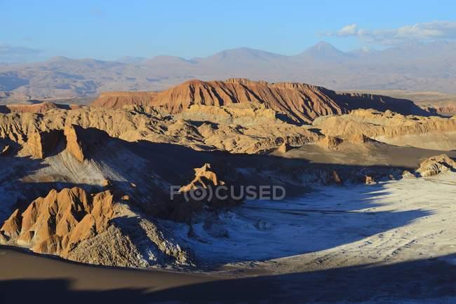 Valley of the Moon volcanic landscape, San Pedro de Atacama, Antofagasta, Chile — стокове фото