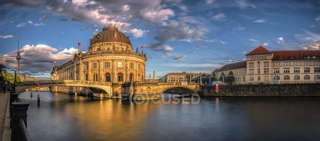 Bode Museum on River Spree with old artillery barracks in Berlin, Germany, Europe — Stock Photo