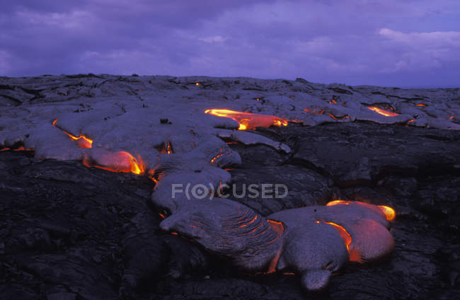 Лава тече Кілауеа вулкана, великий острів, Гаваї, США — стокове фото