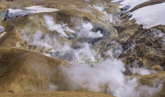 Ressorts de vapeur dans la zone thermique Hveravellir, Kerlingarfjoll, Islande, Europe — Photo de stock