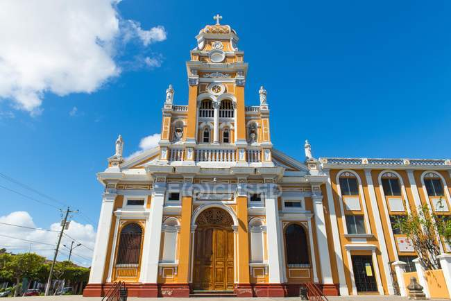 Church Iglesia de Xalteva in historic center, Granada, Nicaragua, Central America — Photo de stock