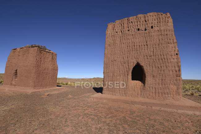 Ancient Chullpa funeral towers at Curahuara de Carangas, Oruro, Bolivia, South America — стоковое фото