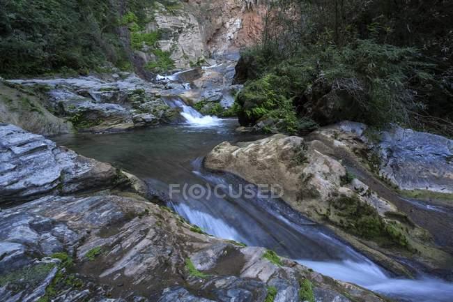 Водопад Сальто-дель-Caburni в Эскамбрае гора диапазон Куба, Центральная Америка — стоковое фото