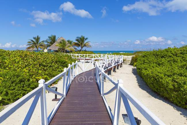 Jetty to beach on island of Cayo Santa Maria, Caribbean, Cuba, Central America — Stock Photo