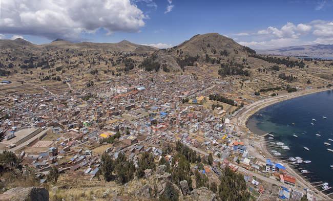 Town of Copacabana with bay of lake Titicaca, La Paz, Bolivia, South America — стоковое фото