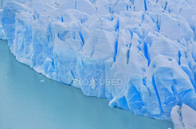 Grey Lake icebergs in Torres del Paine National Park, Patagonia, Chile, South America — Stock Photo
