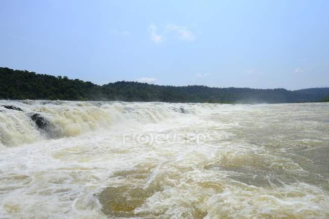 Longest waterfall Saltos del Mocona of Rio Uruguay, near El Soberbio, Misiones, Argentina, South America — Stock Photo