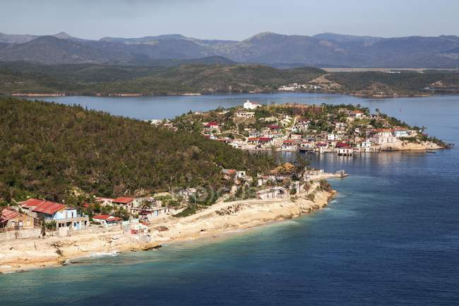 Aerial view of island of Cayo Granma in bay of Santiago de Cuba, Cuba, Central America — Stock Photo