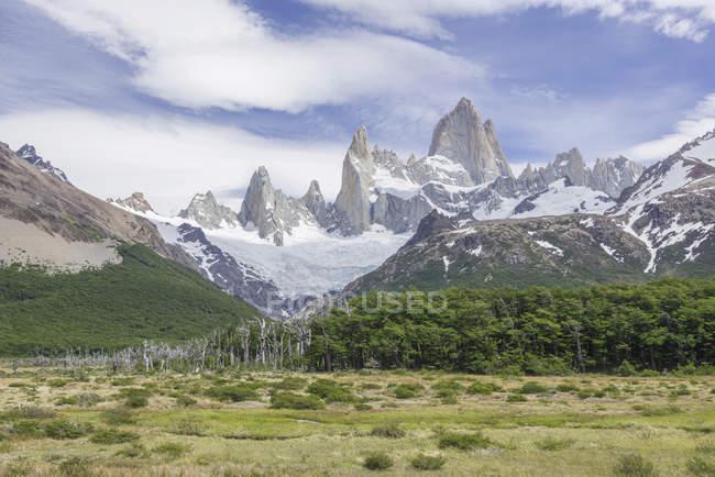 Fitz Roy montagne massif, Parc National Los Glaciares, Santa Cruz, Argentine, Amérique du Sud — Photo de stock