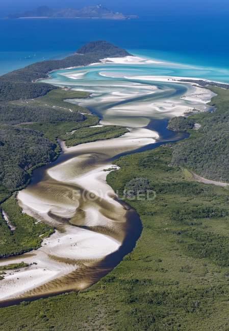 Blick flussabwärts zum Hill Inlet und Whitehaven Beach, Whitsunday Islands, Queensland, Australien, Ozeanien — Stockfoto