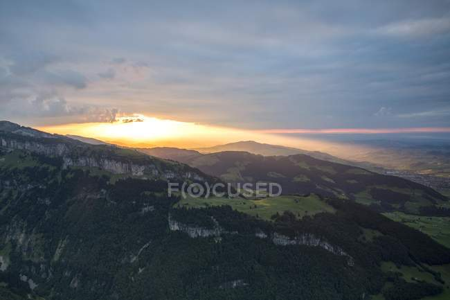 Scenery of Ebenalp and Aescher from Alpsigel at sunset, Brulisau, Appenzell Innerrhoden, Switzerland, Europe - foto de stock