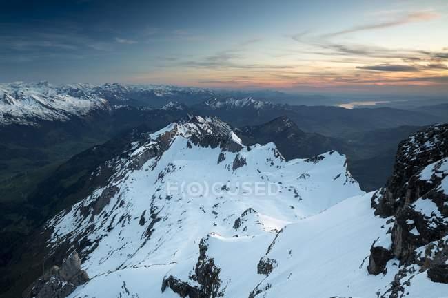 Закат небо над Аппенцелль Альпы, живописным видом из Сантис, Альпштайн, Швейцария, Европа — стоковое фото