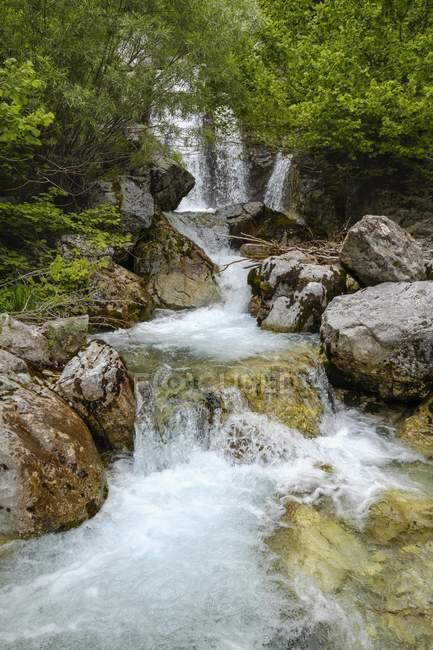 Small waterfall of river Kukaj, Valbona National Park, Albanian Alps, Prokletije, Qark Kukes, Albania, Europe — Stock Photo