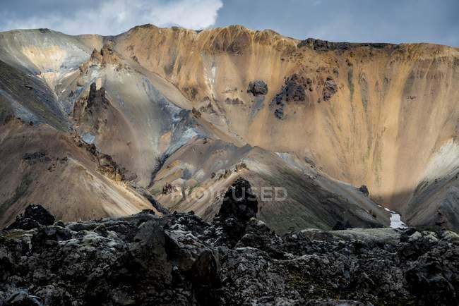 Rhyolite mountains at the Namshraun lava field, Landmannalaugar area, Fjallabak Nature Reserve, Highlands of Iceland, Southern Region, Iceland, Europe — Stock Photo