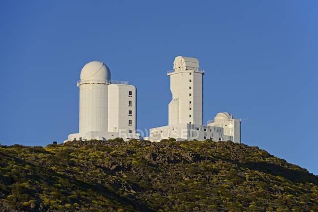 Обсерваторія Тейде на скелях національного парку Тейде, Агуаманса, Тенеріфе, Канарські острови, Іспанія, Європа — стокове фото