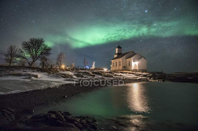 Northern lights over church of Gimsoy, Gimsoykirke, Gimsoy, Lofoten, Norway, Europe — Stock Photo