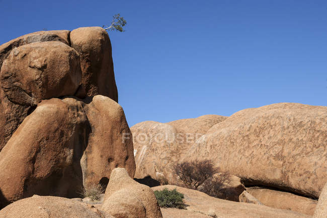 Rock formation and boulders at Spitzkoppe, Damaraland, Namibia, Africa — Stock Photo
