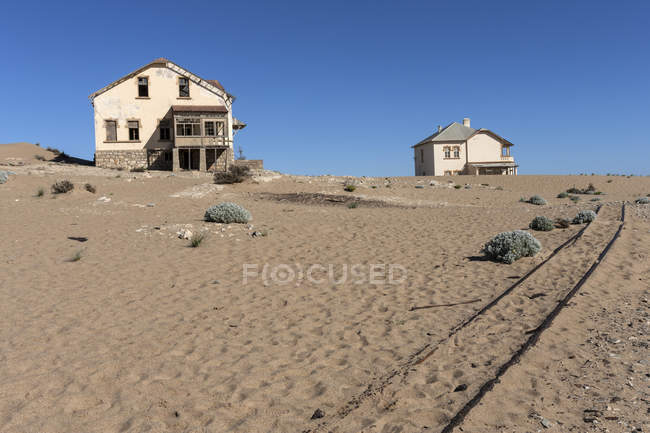 Old houses in ghost town, Kolmanskop, Kolmannskuppe, Luderitz, Namibia, Africa — Stock Photo