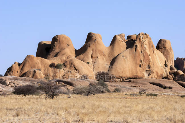 Rock formation in barren landscape at Spitzkoppe, Namibia, Africa — Stock Photo