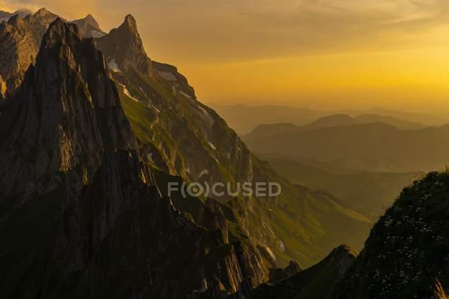 Сантис горный массив на закате, Wasserauen, Аппенцелль, Швейцария, Европа — стоковое фото