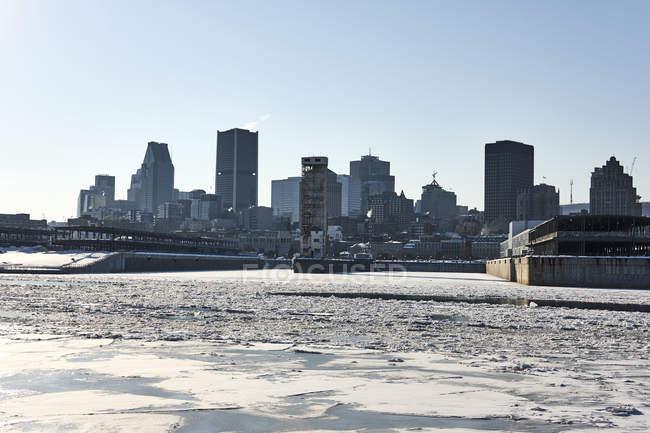 Kanadische Stadt im winter — Stockfoto