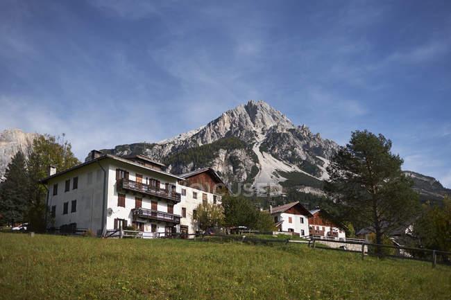 Hotels in the italian dolomites, Vodo di Cadore, Italy — Stock Photo