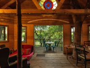 Table et chaises sur le pont de cabine — Photo de stock