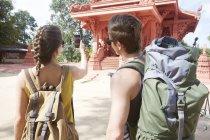 Photo prise de couple du temple rouge — Photo de stock