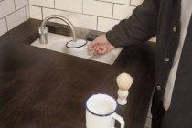 Перукарня, підготовка крем для гоління — стокове фото