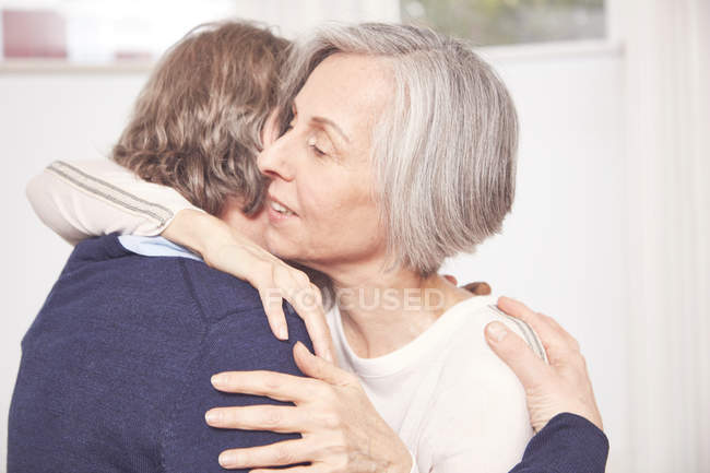 Senior couple embracing each other — Stock Photo