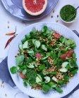 Надзвичайно смачна овочева суміш на пластину — стокове фото