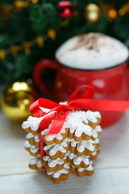 Стек Рождество печенье имбирное печенье — стоковое фото
