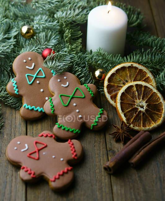 Biscuits au pain d'épice de Noël — Photo de stock