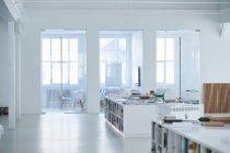 Großraumbüro leer — Stockfoto