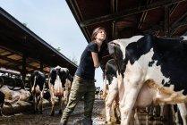 Жіночий органічним фермером — стокове фото