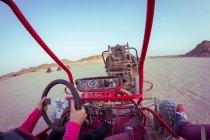 Plage buggy dans le désert — Photo de stock